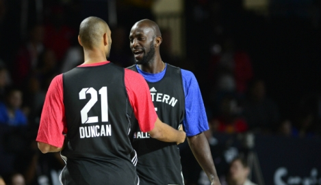 Tim Duncan e Kevin Garnett durante o All-Star Game